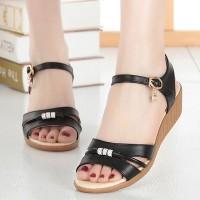 Closure Dangle Buckle Open Toe Comfy Wear Sandal - Black