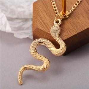 Elegant Pendant Snake Style Necklace For Women - Golden