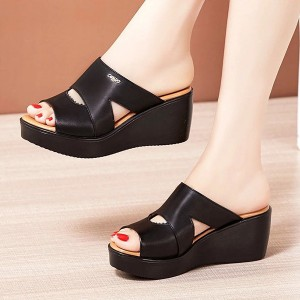 Thick Sole Strap Casual Wear Women Fashion Sandals - Black