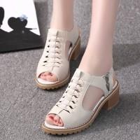 Zipper Closure Hollow Thick Sole Vintage Style Sandals - Beige