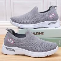 Mesh Pattern Sports Wear Slip Over Sneakers - Light Gray