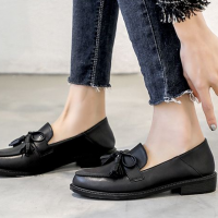 Tassel Knotted Bow Flat Synthetic Leather Flat Shoes - Black