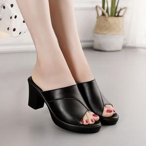 Solid Color Square Heel Summer Wear Women Sandal - Black