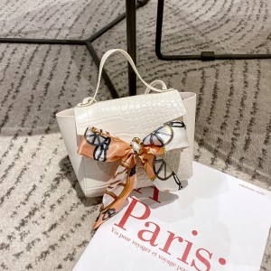Ribbon Bow Patched Animal Pattern Messenger Bags - White