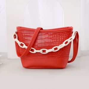 Thick Chain Handheld Synthetic Leather Messenger Bags - Red