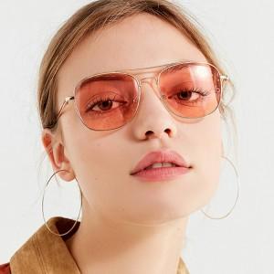 Metal Frame Square Lens Fashion Sunglasses - Red