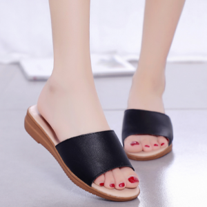 Synthetic Leather Thick Sole Women Fashion Slippers - Black