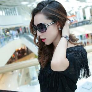 Newest Design Oversized Fashionable Sunglasses - Black
