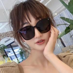 Fashion Luxury Square Personalized Trendy Flat Sunglasses - Black Gary