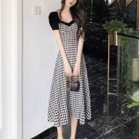 Short Sleeves Geometric Printed A-Line Midi Dress - Black and White