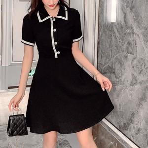 Concise Short Sleeve Square Collar Dresses - Black