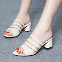 Stripes Texture Thick Bottom Formal Wear Heels - White