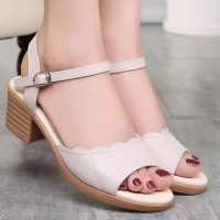 Buckle Closure Wavy Thick Heel Casual Sandals - White
