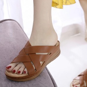 Cross Strap Synthetic Leather Casual Slippers - Brown