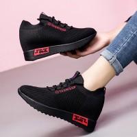 Mesh Light Wear Sports Wear Women Sports Sneakers - Red