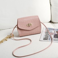 Twist Lock Crocodile Pattern Women Fashion Messenger Bags - Pink