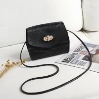 Twist Lock Crocodile Pattern Women Fashion Messenger Bags - Black