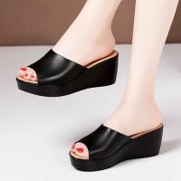 Thick Bottom Casual Wear Platform Thick Heel Sandals - Black