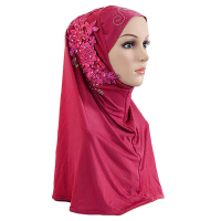 Crystal Decorative Bohemian Muslim Women Fashion Scarf - Red