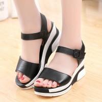 Buckle Closure Thick Bottom Vintage Style Sandals - Black