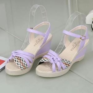 Platform Buckle Closure Cross Strap Thick Heel Sandals - Purple