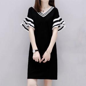 V Neck Short Sleeves Mini Dress - Black and White