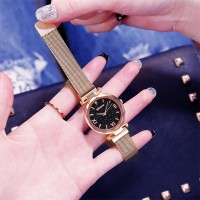 Mesh Strap Crystal Carved Roman Dial Wrist Watch - Golden