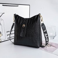 Synthetic Leather Twist Lock Women Fashion Vintage Handbags - Black