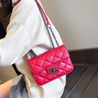 Solid Color Geometric Textured Luxury Shoulder Bag - Red