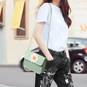 Synthetic Leather Magnetic Lock Women Messenger Bag - Green
