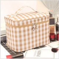 Solid Color Leaves Printed Zipper Closure Travel Cosmetics Bags - Brown