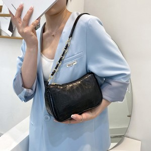 New Trendy Fashion Wild Texture Messenger Handbag - Black