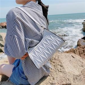Fashion Pleated Armpit Simple Elegant Handbag - White