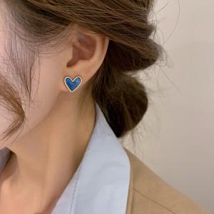 Simple Compact Temperament Love Earrings - Blue