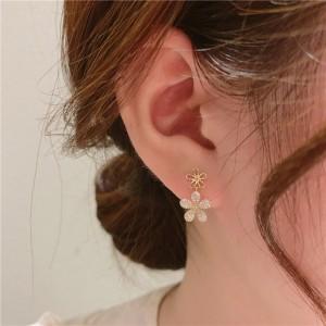 Temperamental Double Flower Earrings - Golden