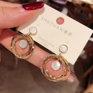 Metallic Polycyclic Shell Dot Earrings - Golden