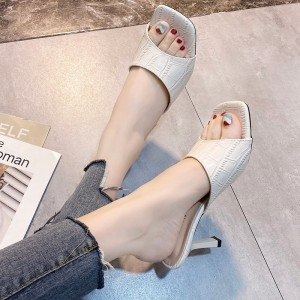 Spike Square Heel Synthetic Leather Sandals - Beige