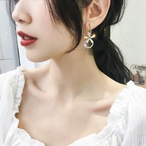 Circle Flower Temperament Earrings - Golden