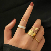 Five Pieces Gold Plated Fashion Rings Set - Golden
