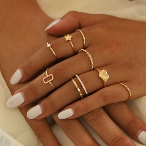 Gold Plated Eight Pieces Women Fashion Rings Set - Golden