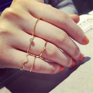Five Pieces Crystal Gold Plated Rings Set - Golden
