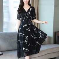 V Neck Graphical Printed Short Sleeved Midi Dress - Black