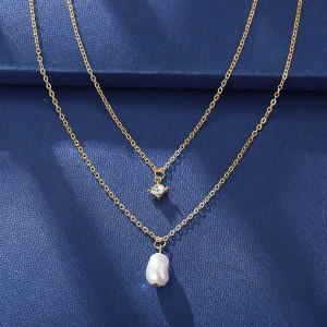 Pearl Pendant Crystal Decoartive Gold Plated Necklace
