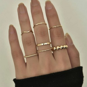 Silver Plated Seven Pieces Women Fashion Rings Set - Golden