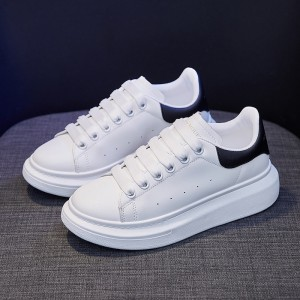 Lace Closure Synthetic Leather Flat Wear Sneakers - Black and White