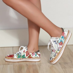Floral Print Flat Sole Lace Closure Sneakers - Red