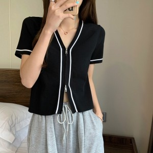 Zipper Closure Short Sleeved Solid Color Top - Black