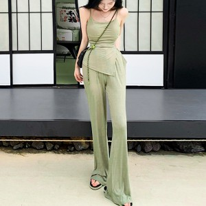 Body Fitted Solid Color Two Piece Suit - Green