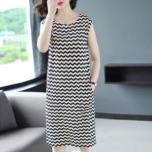 Zig Zag Printed Round Neck Sleeveless Mini Dress