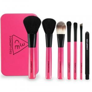 Seven Pieces Premium Makeup Brushes Set - Pink
